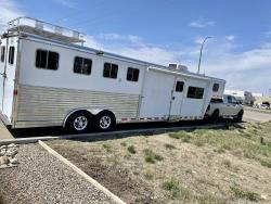 Living quarters trailer